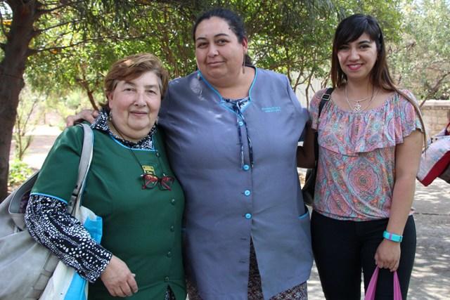 Lidia Benítez Vidal, Escuela Independencia de Panquehue; Rosario Díaz Ávila de Escuela Independencia de Panquehue y Francesca Henríquez Ramírez de Colegio Panquehue.