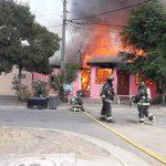 incendio casa la calera dejó 17 damnificados