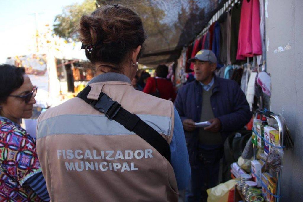 Falsos funcionarios municipales están visitando hogares en Quillota