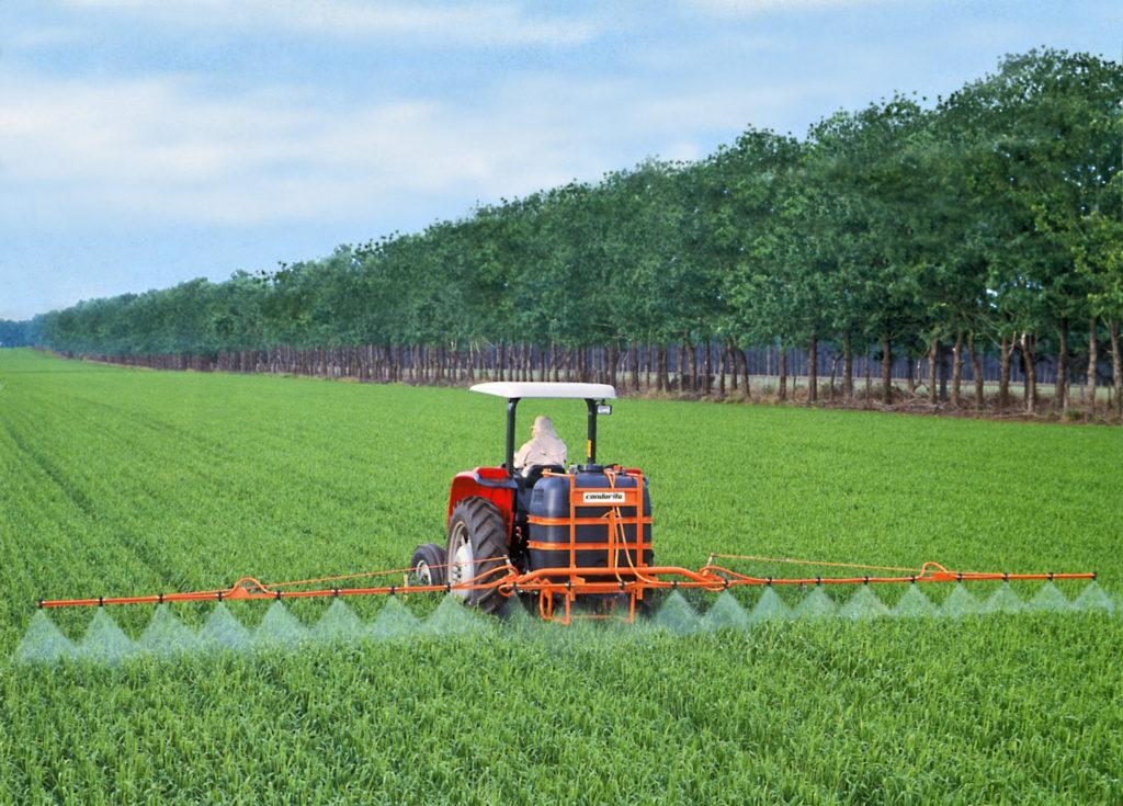 Jacto es la solución para la protección del cultivo, con equipos robustos con la mejor tecnología, especialmente diseñados para largas jornadas de trabajo.