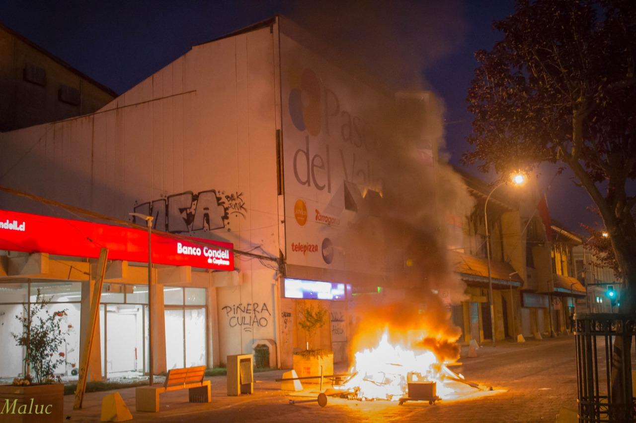 [FOTOS] Mira el registro fotográfico de las violentas protestas vividas anoche en Quillota - El Observador