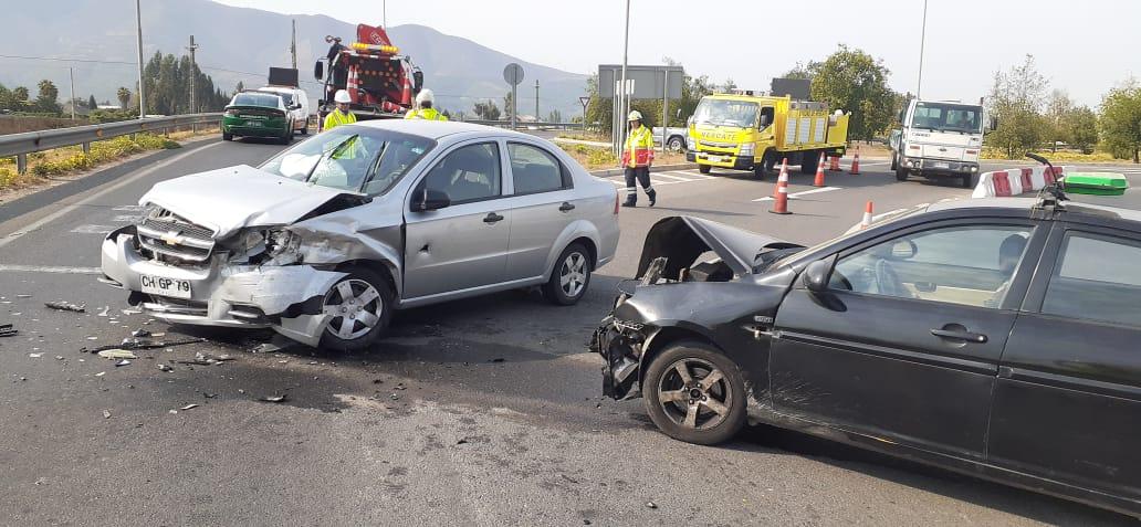 Quillota: Dos personas lesionadas dejó accidente vehicular en la Ruta 60 - El Observador