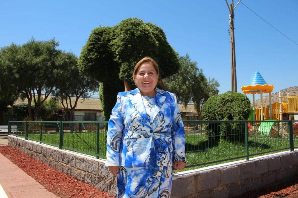 Alcaldesa Trinidad Rojo la calera